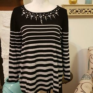 ALFRED DUNNER BLACK SWEATER SIZE L